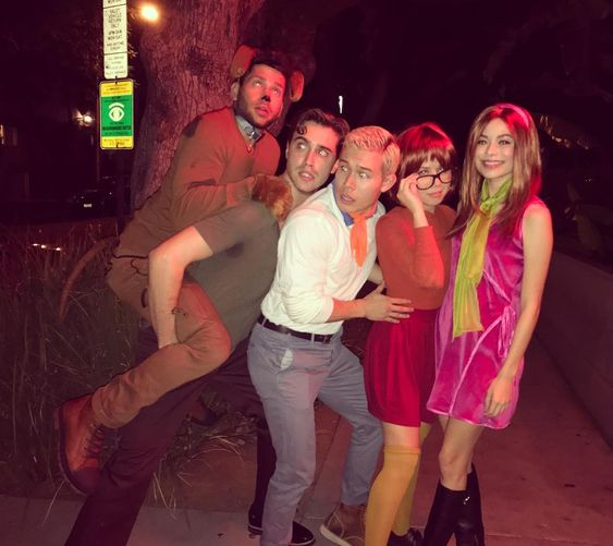 Miranda-Cosgrove--Jennette-McCurdy--and-Ryan-McCartan-as-Daphne--Thelma-and-Shaggy